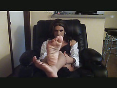 Just a lil small video i put together for my fans who love my lil feet in pantyhose but dont...
