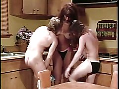 Leilani in 3some