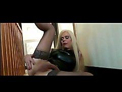 Sexy Joanna Jet in latex