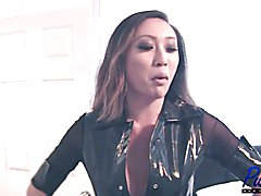 watch me interview the asian TS superstar Venus Lux before our latest scene together