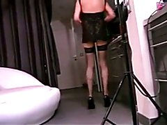 A french mature CD gets fucked in hotel