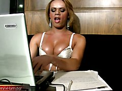 All work and no play makes Joice a dull t-girl. And this luscious T-babe is anything but dul...
