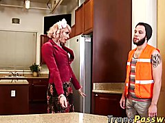 Today we have the sexy and gorgeous Tara Emory having problems with her oven. She goes ahead...