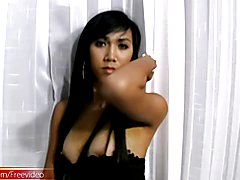 Bit of a dominant t-girl Rin is revealing her naked body and we can also see glances of her ...