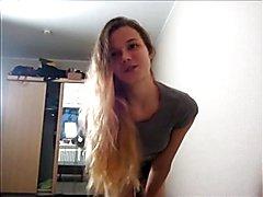 ;) Sexy Teen Lola-LaCita  Stehst Du auch auf einen heißen Strip wie ich ;) ? Ich liebe es...