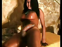 Tranny with big titts & huge dick