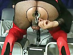 Tiziana first widens the sphincter with the speculum and then if it breaks with the fucking ...