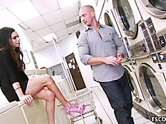 Tranny Madison Montag fucks the laundry guy