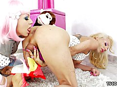 Kinky Sparky Sin Claire loves to fuck Juliette Stray's tranny asshole with a strapon dildo