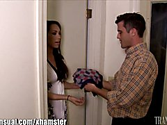 Lance Hart gets a visit from a stranded TS , Sunday Valentina, this turns out to be a fantas...