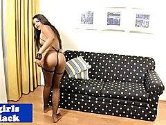 Beautiful nubian ts pleasures herself