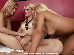 Watch a gorgeous tranny fuck two smoking hot blonde lesbians! Obviously the lesbians also fu...