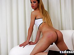 TS Izabelly Marquesine Having Fun With Her Cock