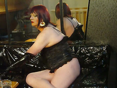 this is my latest vid during almost a half hour in hd quality cumming in 5 parts because the...